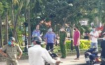 Giữa ban ngày phát hiện người đàn ông nghi bị đâm gục chết ở công viên