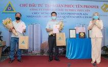 Cư dân Prosper Plaza vui mừng trong ngày nhận giấy chứng nhận sở hữu căn hộ