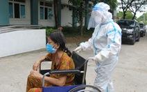 Bệnh viện dã chiến Hòa Vang cho xuất viện cùng lúc 23 ca bệnh COVID-19