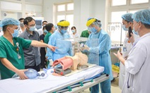 Y bác sĩ Nghệ An tiến vào Đà Nẵng chống dịch: 'Đi hăng hái, về thắng lợi'