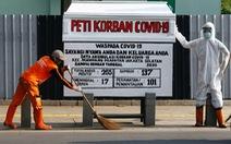 Indonesia dựng quan tài bên đường để 'hù' dân hợp tác chống dịch