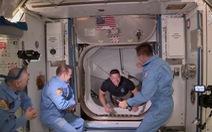 Tàu con thoi Crew Dragon của SpaceX rời ISS về Trái đất