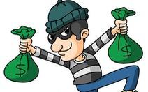 Treo túi xách lên kiếng xe máy khi đi chợ, bị trộm 'cuỗm' 70 triệu đồng