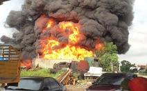 Cháy lớn tại kho bãi chế biến dầu thải ở Hải Phòng