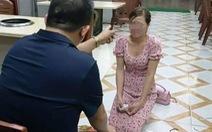 Bắt tạm giam nhân viên quán nướng bắt nữ khách hàng quỳ xin lỗi