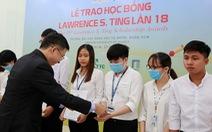 Trao 13 suất học bổng Lawrence S. Ting cho sinh viên vượt khó