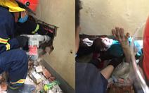 20 chiến sĩ cứu người đàn ông 'mất tích' kẹt giữa 2 vách tường hẹp