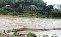 Mưa lũ sau bão số 2 cuốn trôi cầu, đập, hàng trăm hộ dân Thanh Hóa bị cô lập