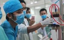 Áp dụng nhiều phương pháp lọc máu, cứu sống bé gái uống thuốc diệt cỏ