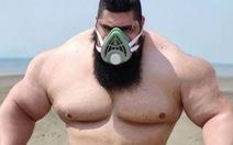 Hồi phục từ COVID-19, 'Gã khổng lồ xanh của Iran' tuyên chiến với... cả thế giới