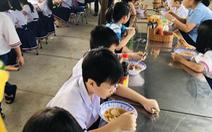 98 học sinh tiểu học TP.HCM nghi bị ngộ độc thực phẩm