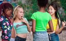 Phim 'Cuties' trên Netflix bị chỉ trích vì những cảnh quay trẻ em nhảy gợi dục