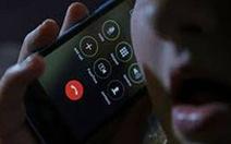Nghe một cuộc điện thoại lạ, người phụ nữ bị lừa mất 13 tỉ đồng