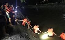 Bốn ông cháu ngã xuống kênh khi đi thăm đồng: Tìm thấy thi thể người ông