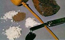 Phó hiệu trưởng cùng 3 người sử dụng ma túy ngay tại phòng làm việc