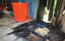 Nửa đêm tá hỏa vì nhà bị đốt, lu nước bị bỏ thuốc trừ sâu