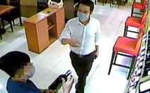 Bắt nghi phạm chuyên lừa đảo mua điện thoại, rượu ở TP.HCM