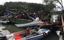 Bắt thuyền và sà lan dùng 20 'vòi rồng' hút cát từ sông Đồng Nai