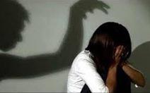 Bắt tạm giam bảo vệ trường học hiếp dâm nữ sinh lớp 6 và quay clip