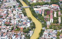 Sông Hương chuyển màu vàng đục khác thường