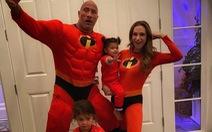 Người hùng cơ bắp Hollywood Dwayne Johnson và gia đình mắc COVID-19
