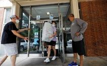 Dịch bệnh COVID-19 tăng báo động ở các trường đại học Mỹ