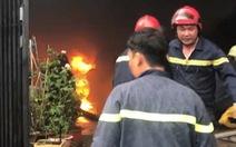 Cháy lớn nhà kho chứa phụ tùng ôtô, nhiều tài sản bị thiêu rụi