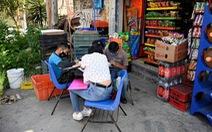 'Trường học đường phố' giúp trò nghèo học từ xa