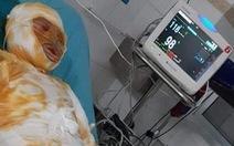 Người vợ bị chồng tẩm xăng đốt đã chết