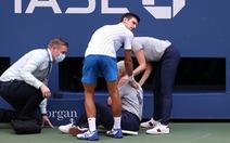 Bị phạt vì là Djokovic?