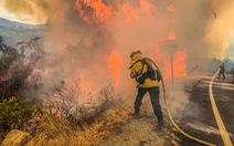 80% nhà cửa một thị trấn Mỹ bị lửa cháy rừng thiêu rụi