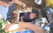 Khám nhà 'siêu trộm', lộ ra 1 kho vũ khí và 2 hầm bí mật