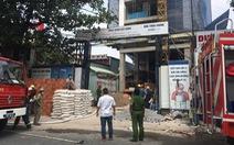 Cứu 3 người trong đám cháy công trình đang xây dựng