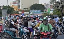 Thu phí đường Nguyễn Văn Linh để duy tu đường, nhưng đường cứ hư hỏng