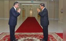 Ông Hun Sen xung phong tiêm vắc xin Trung Quốc đầu tiên