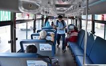 Tôi đi xe buýt sân bay