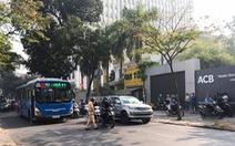 Người phụ nữ bị xe buýt tông chết khi đang đi bộ qua đường