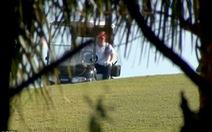 Ngày đầu trở lại làm 'thường dân', ông Trump đi đánh golf