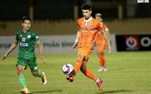 Cựu cầu thủ U16 Barcelona giúp CLB Bình Định 'chơi bóng mềm mại hơn'