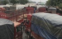 Hàng ngàn xe hàng tết ùn ứ ở cửa khẩu Kim Thành, vì sao?