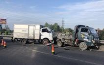 Hai vụ tai nạn trong buổi sáng trên cao tốc TP.HCM - Trung Lương