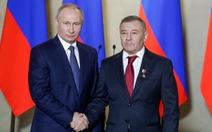 Tỉ phú thân cận ông Putin tuyên bố là chủ sở hữu lâu đài giam giữ ông Navalny