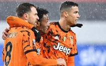 Ronaldo hai lần mở bóng tinh tế giúp Juventus đánh bại Sampdoria