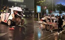 Nữ hành khách chết trong taxi bẹp dúm sau va chạm xe bán tải