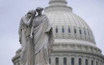 Hỗn loạn chính trị chờ nước Mỹ