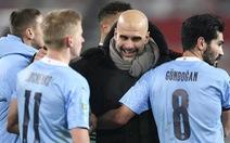 Lại phải khen tài xoay xở của Guardiola