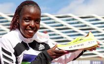 Kỷ lục gia chạy 10km thế giới bị chồng đâm chết