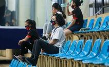 Huyền Nguyễn thất thần chứng kiến tuyển thủ Tâm Đinh chấn thương
