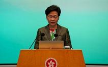 Lãnh đạo Hong Kong Carrie Lam nhập viện sau khi té gãy tay