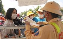 Hiểu nhầm quy định, người từ Đà Nẵng không vào được Quảng Nam